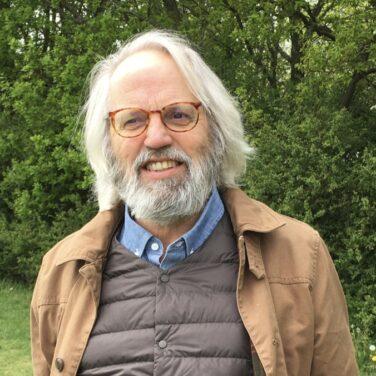 Dr David Henderson