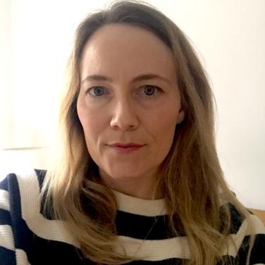 Dr Karen Cross
